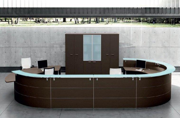 Banchi reception poltrone ufficio arredamento uffici for Scaffali per ufficio