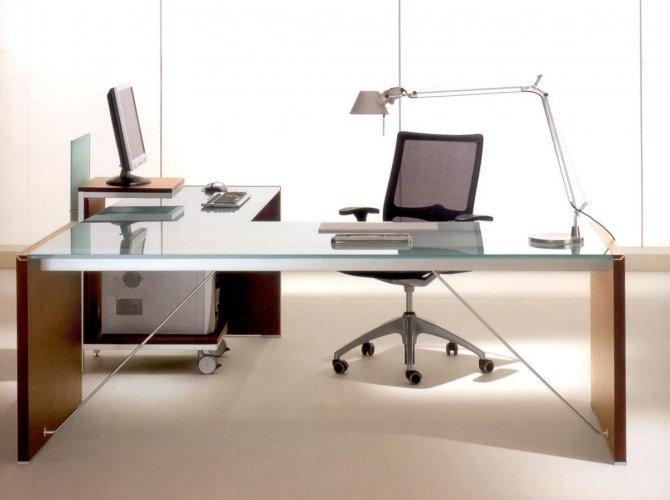 Scrivanie per uffici galleria fotografica scaffali for Scrivanie in vetro e acciaio