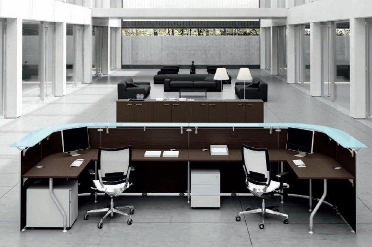 Banco reception mod abako banchi reception poltrone for Banco ufficio